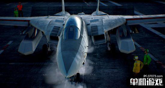 BNGI日前公布了经典打飞机游戏续作《皇牌空战7》最新预告片,其中由系列总监河野一聪公布了多项游戏新情报,但该视频被官方屏蔽,以下是文字情报,一起来了解下。    据悉,这部为系列团队Project Aces与系列总监河野一聪打造的正统续作,游戏可操控飞机为30架,因为游戏为全新主机打造,所有模型均重做,所以30架还算比较多。   《皇牌空战》上一部正统游戏《皇牌空战6》为10年前发售,所以河野一聪希冀这部正统续作加入全新挑战,所以还邀请了《皇牌空战4》与《皇牌空战5》编剧Sunao Katabuc